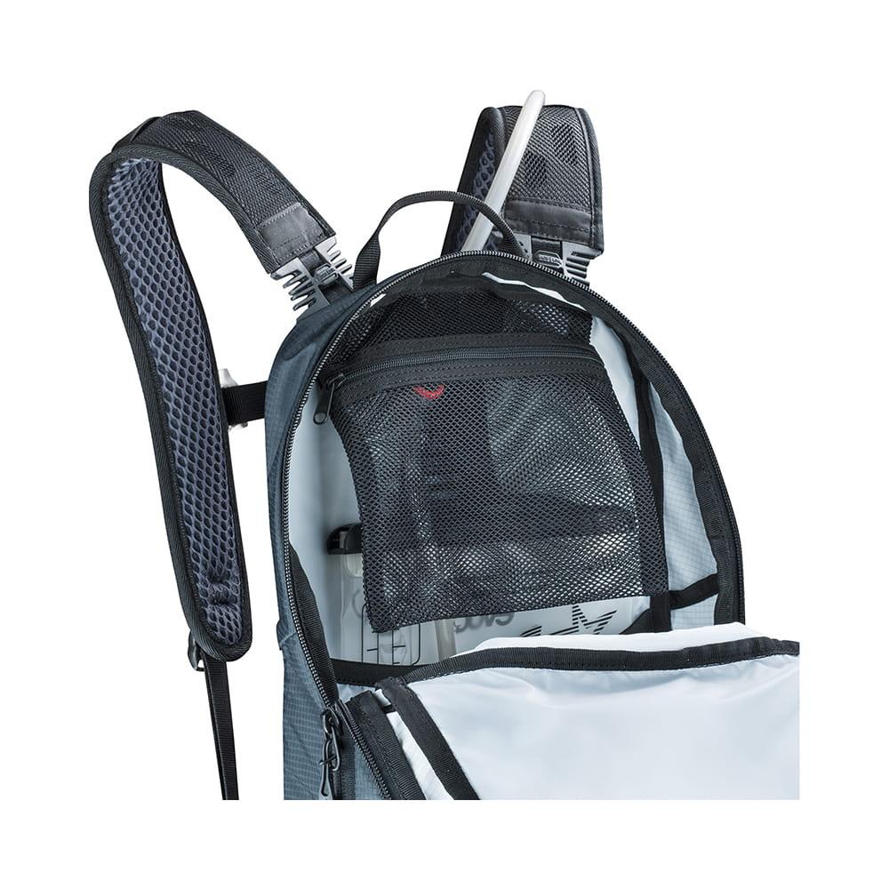 79220f99797d3 Plecak Evoc CC 16 L Black + 2 L Bladder - Sklep Turystyczny Wypad
